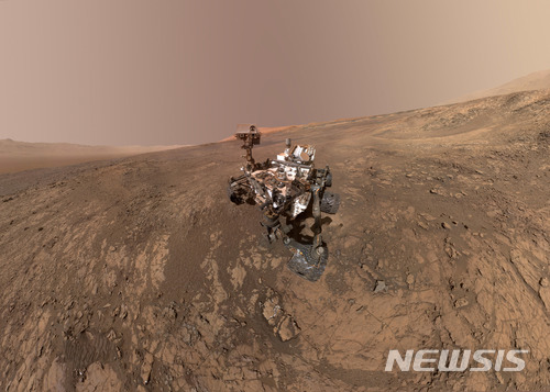 """탐사로봇 큐리오시티 """"화성 암석 예"""
