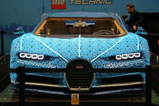 레고로 만든 슈퍼카 부가티, 캐나다에
