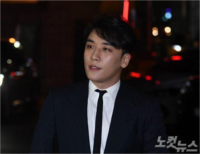 """'승리 카톡방' 제보자 """"강남경찰서"""