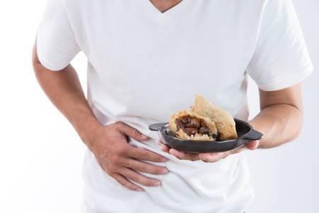 [사진설명=큰 일교차는 음식이 상하기 쉬운 환경으로 식중독 위험을 높일 수 있다.]