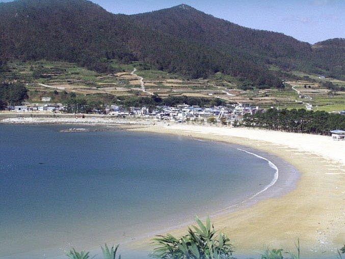 아름다운 바다와 자연이 반기는 곳,
