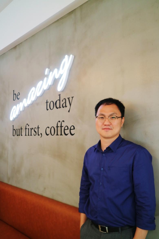 """정화용 큐그레이더는 """"코로나 이후 커피 트렌드가 달라지면서 스페셜티커피에 대한 선호도가 높아질 것""""으로 전망했다. [사진=육성연 기자]"""