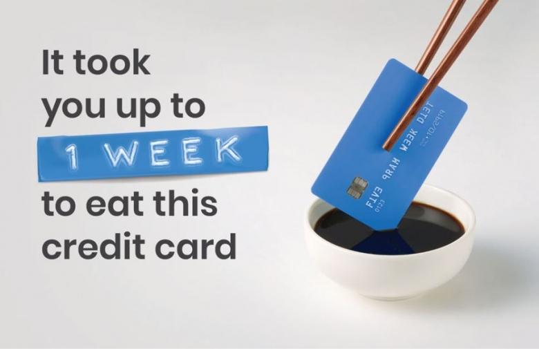 한 주 동안 우리가 먹는 미세 플라스틱은 신용카드 한 장(약 5g)과 동일 [사진=WWF 동영상 캡처]
