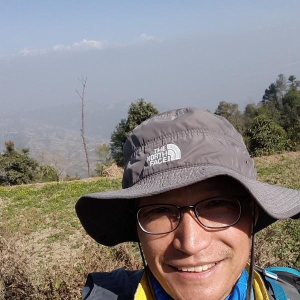 네팔에 정착하기로 마음먹은 후, 따라와 준 가족들에게 감사하다고. - 사진제공 이호철님