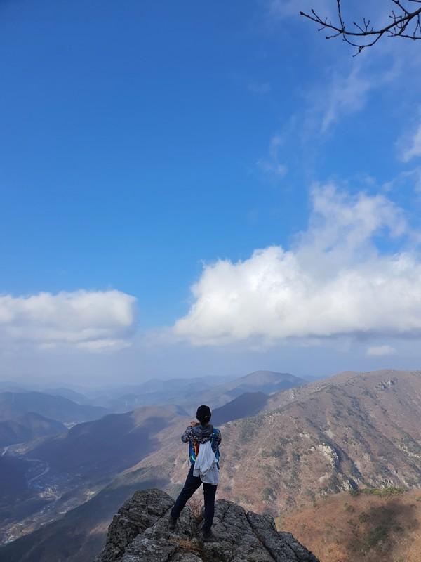 """이틀 후, 그 """"포인트""""에서 사진을 찍은 한국고갯길 참가자"""