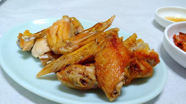 담백한 맛이 일품이었던 닭 소금구이