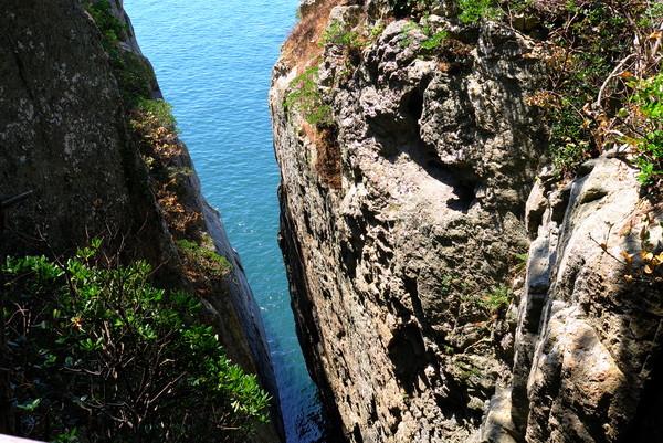 비렁길 아래에서 바라보는 아찔한 풍경 (사진제공 여수시청)