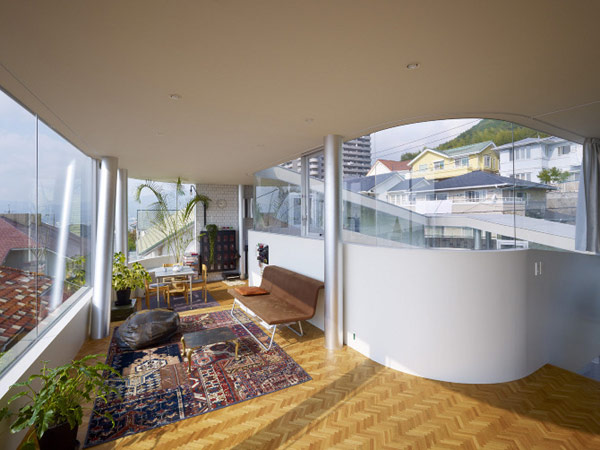 lifted-house-hiroshima-japan-kimihiko-okada-15