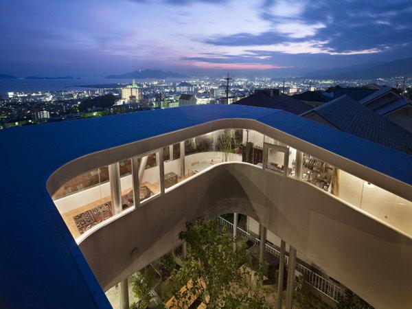 lifted-house-hiroshima-japan-kimihiko-okada-6
