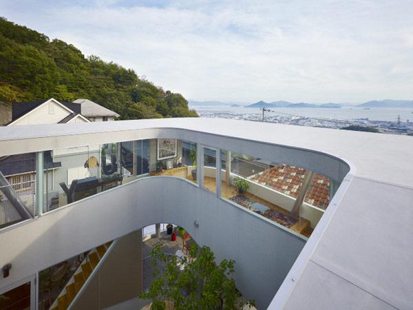 lifted-house-hiroshima-japan-kimihiko-okada-4
