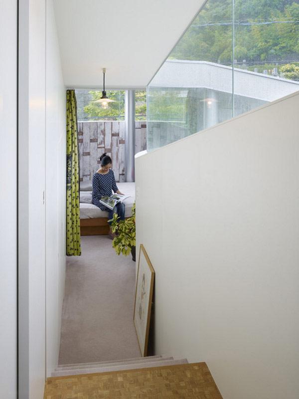 lifted-house-hiroshima-japan-kimihiko-okada-16