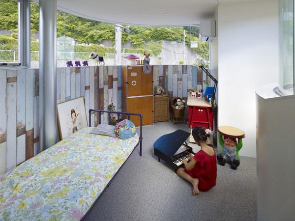 lifted-house-hiroshima-japan-kimihiko-okada-19