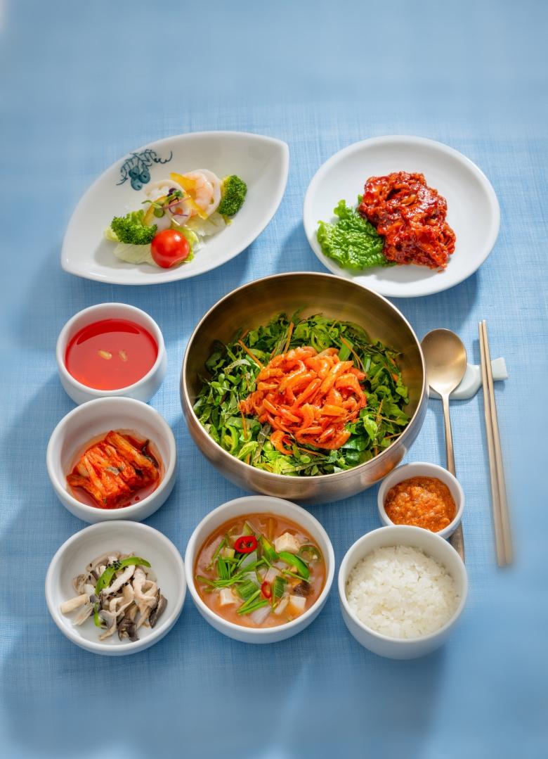 '보리새우비빔밥정식'[한국문화재재단]