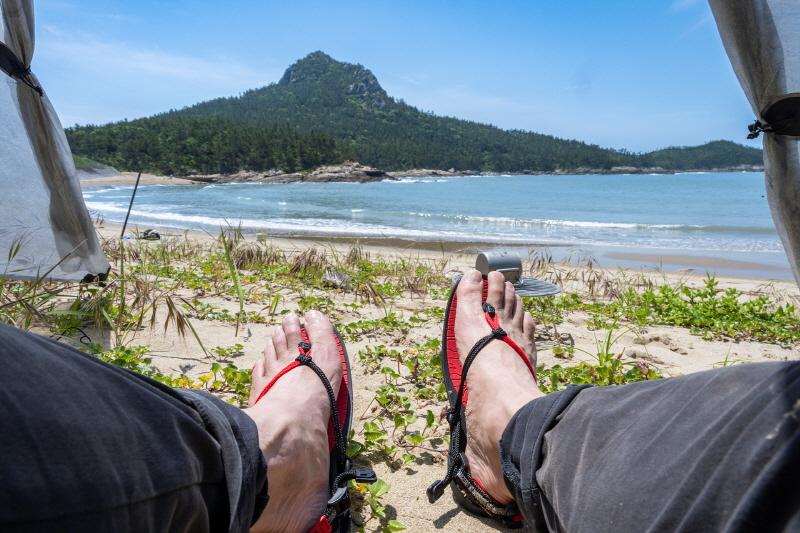 돌목해변의 늘어진 오후