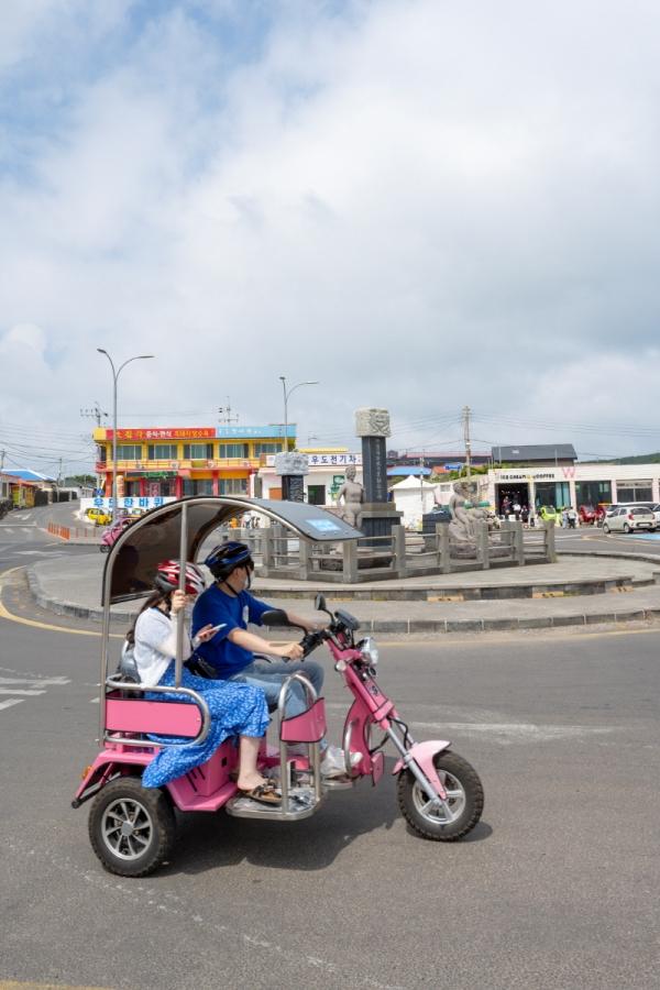 우도의 또 다른 관광문화로 자리매김한 전기차