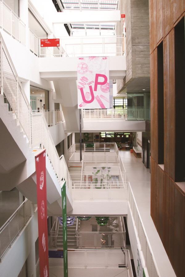 지하 1층부터 5층까지 각 층마다 새활용과 관련된 체험, 공방, 작업실, 식당 등이 마련돼 있다