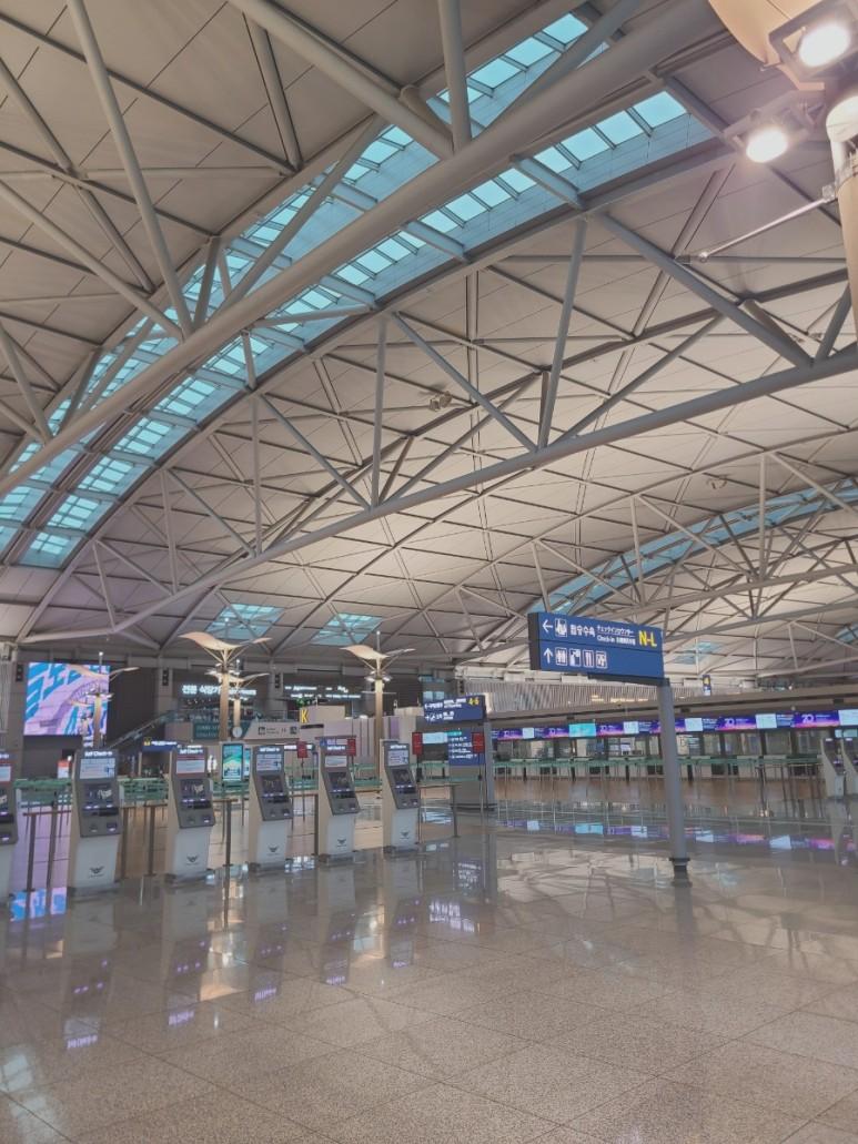 텅 빈 인천공항