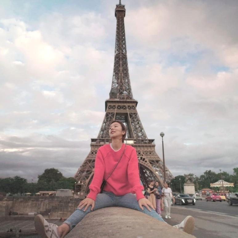 센강과 에펠탑 사이에서